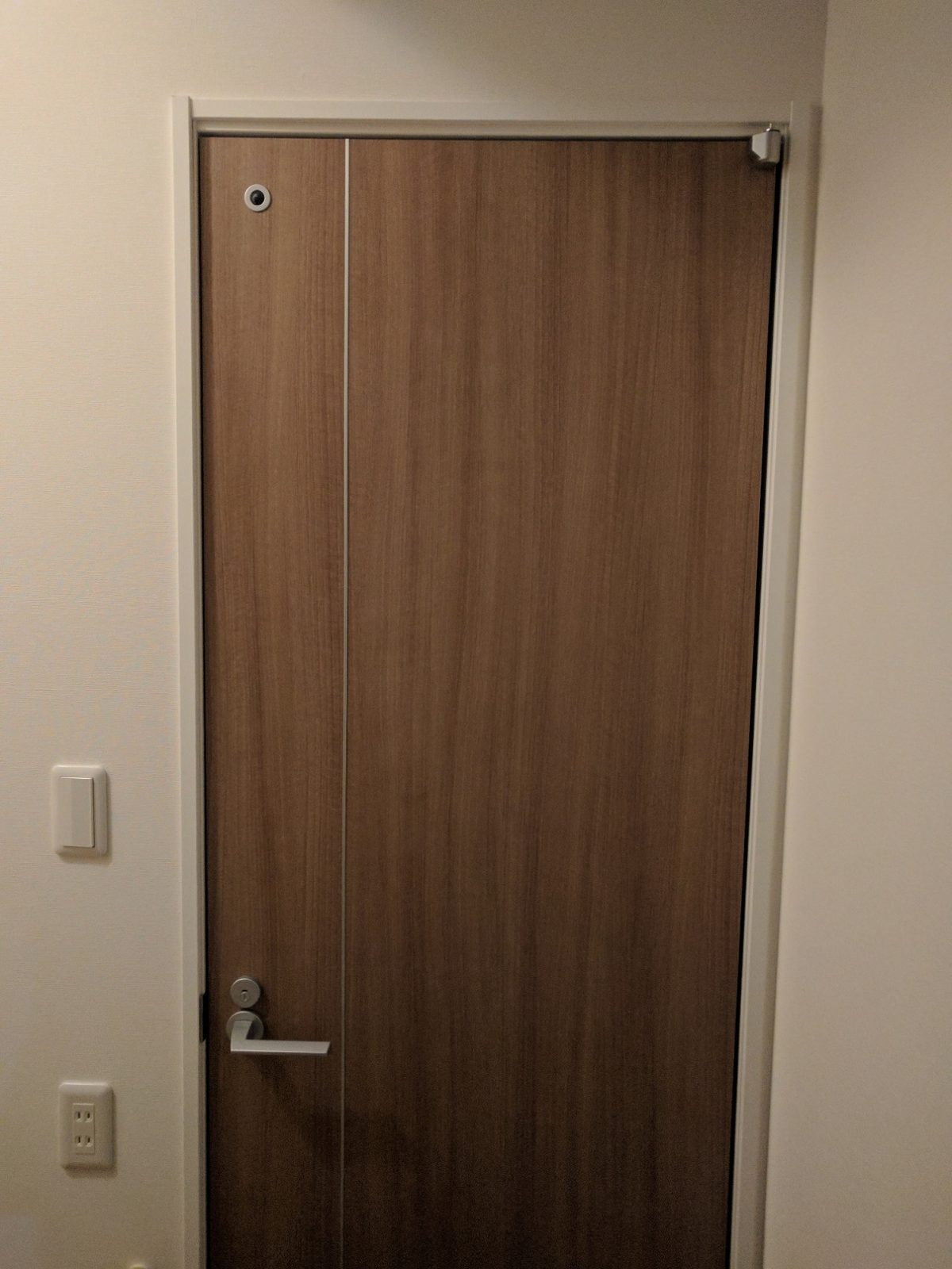 i-smart《グレーウォールナットの扉》部屋・トイレ用